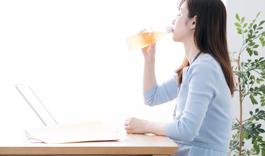 エアコンから喉や肌を守る!オフィスでできる乾燥対策