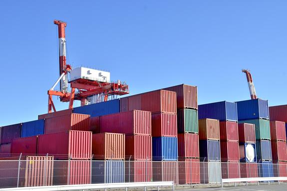 保税地域間の輸送に消費税はかからない!?「保税運送」を知っていますか?