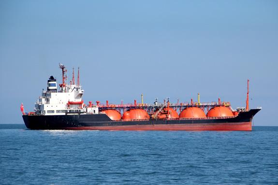 タンカー、バルカーって何?コンテナ船以外の貨物船の種類