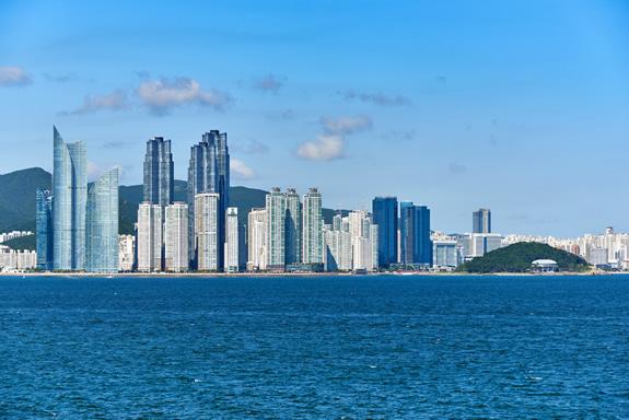 知っていますか?日本企業も利用する韓国・釜山港のこと