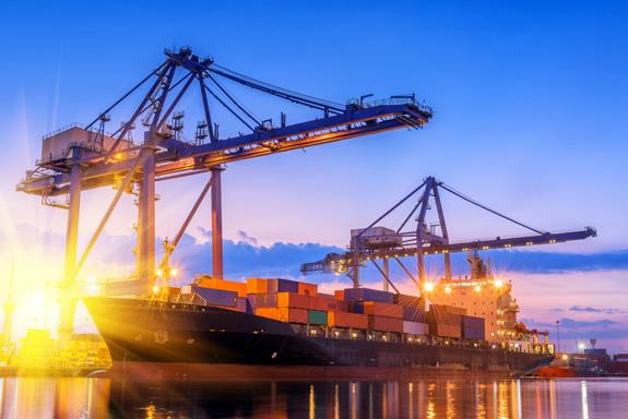 なぜコンテナ船は海上輸送の主流となったのか?