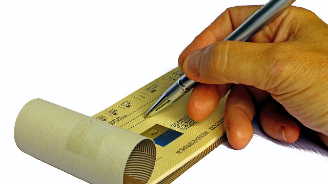 小切手と手形って何が違うの?