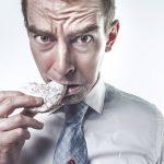 """飲食業の""""まかない""""を経費として処理できる?"""
