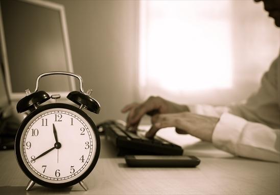 労働基準法の労働時間規制における「1日」の定義って?