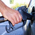 社員が車で出勤、移動する場合のガソリン代の計算方法