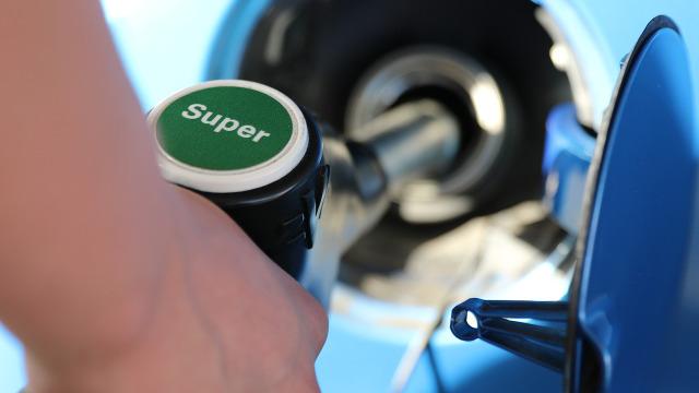 営業車両のガソリン代はどう経理処理すればいい?
