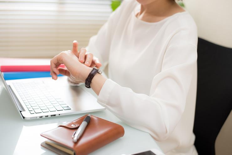 気になる秘書の勤務時間について!秘書は残業が多いって本当?