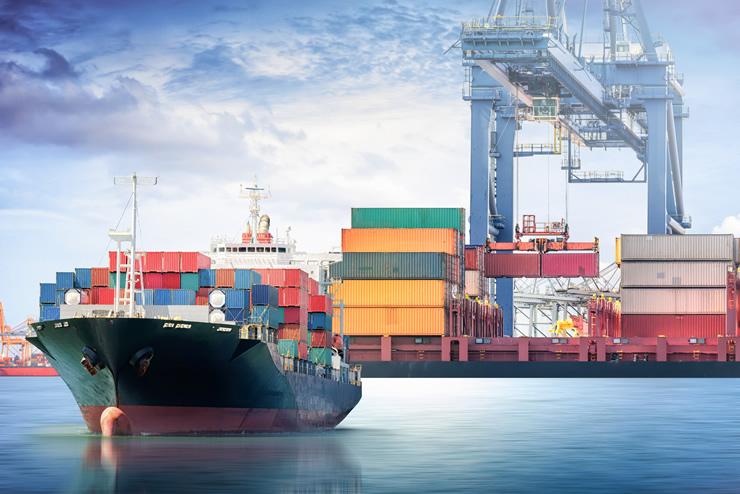 貿易取引に関する事務業務を担当する「貿易事務」