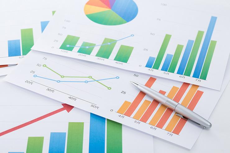 ⑤ グラフや画像を美しく貼りつけて、テキスト情報を補足