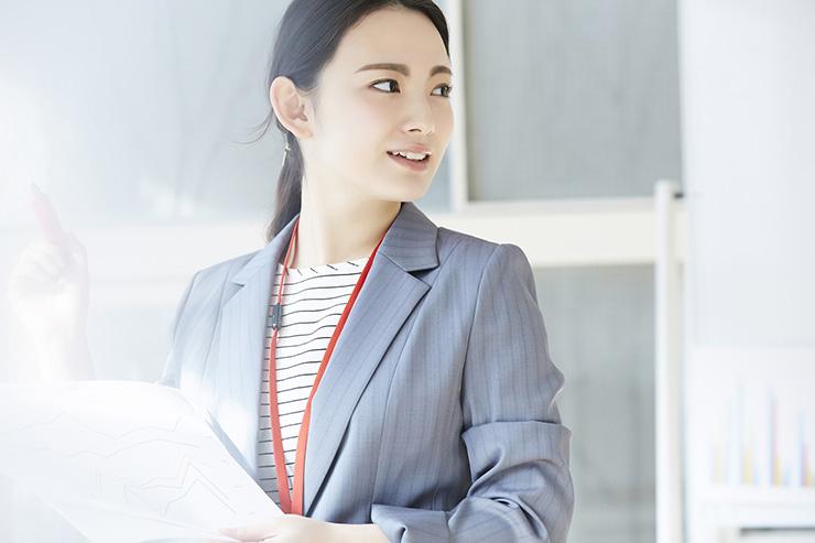 貿易実務を解説!輸出入業務の流れや現場で求められる英語力・資格について