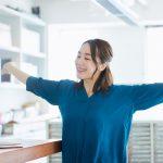 効果的な眠気覚ましって?仕事中にできる5つの対策と予防法をご紹介!
